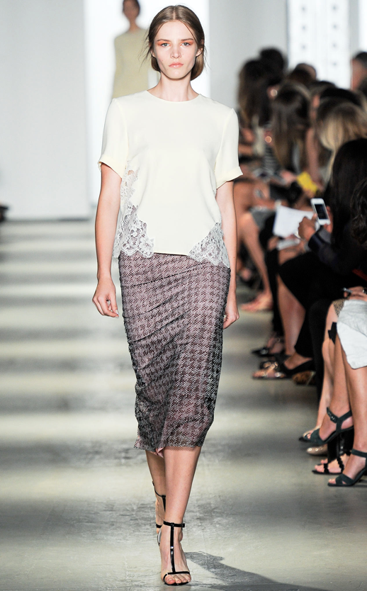 LE FASHION BLOG WES GORDON SS 2014 NYFW LACE SIDE TOP HOUNDSTOOTH SKIRT 7 photo LEFASHIONBLOGWESGORDONSS2014NYFWLACESIDETOPHOUNDSTOOTHSKIRT7.png
