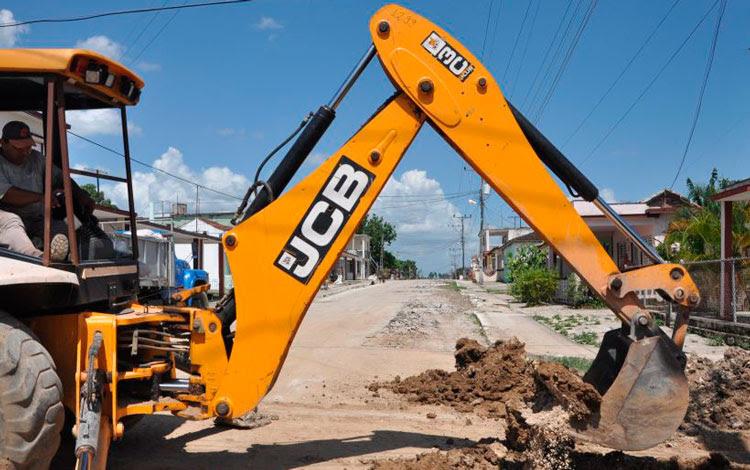 0318-constructores-retroexcavadora.jpg