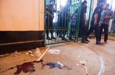 Bangladesh: 10 Jama'atul Mujahideen men indicted for IS-claimed Hussaini Dalan blasts