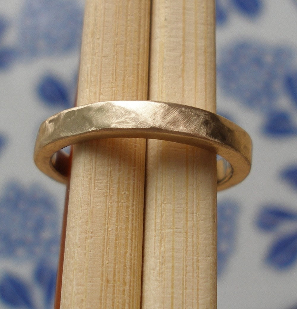 Hammered Pipe Carved Band - 10k Straw Gold