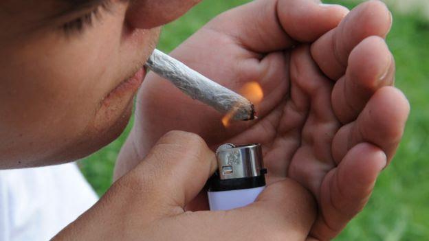 Cigarro de marihuana