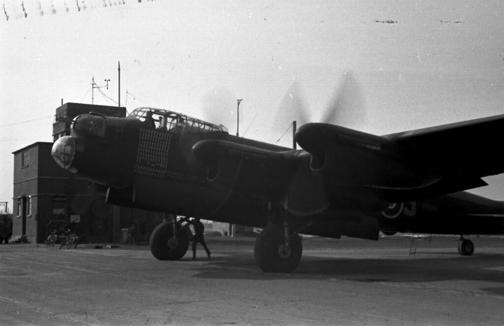 125 mission Lancaster 03