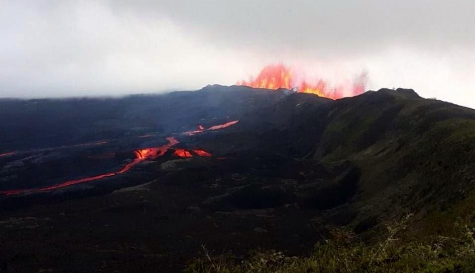 Έκρηξη Σιέρα Νεγκρά ηφαίστειο Isabela νησί Γαλαπάγκος, νέο ηφαίστειο εκρήγνυται γαλαπάγκος, γαλαπάγος ηφαιστειακή έκρηξη