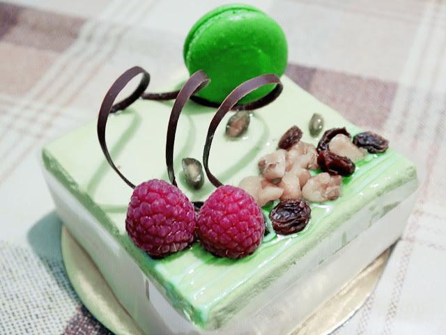 typicalben 23rd birthday cake from aunt