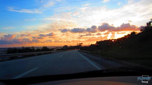 Figueira da Foz com por-do-sol laranja radiante