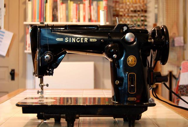 Singer 319W