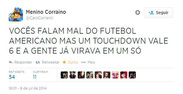 Ao fim do primeiro tempo, torcedor lembrou das regras do futebol americano (Foto: Reprodução/Twitter/CaioCorraini)
