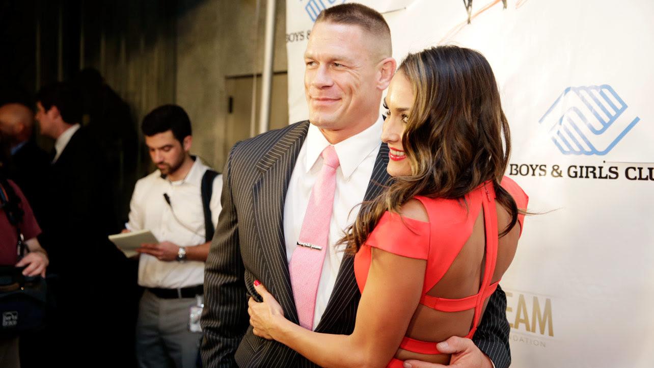John Cena gratuluje Nikki Belli