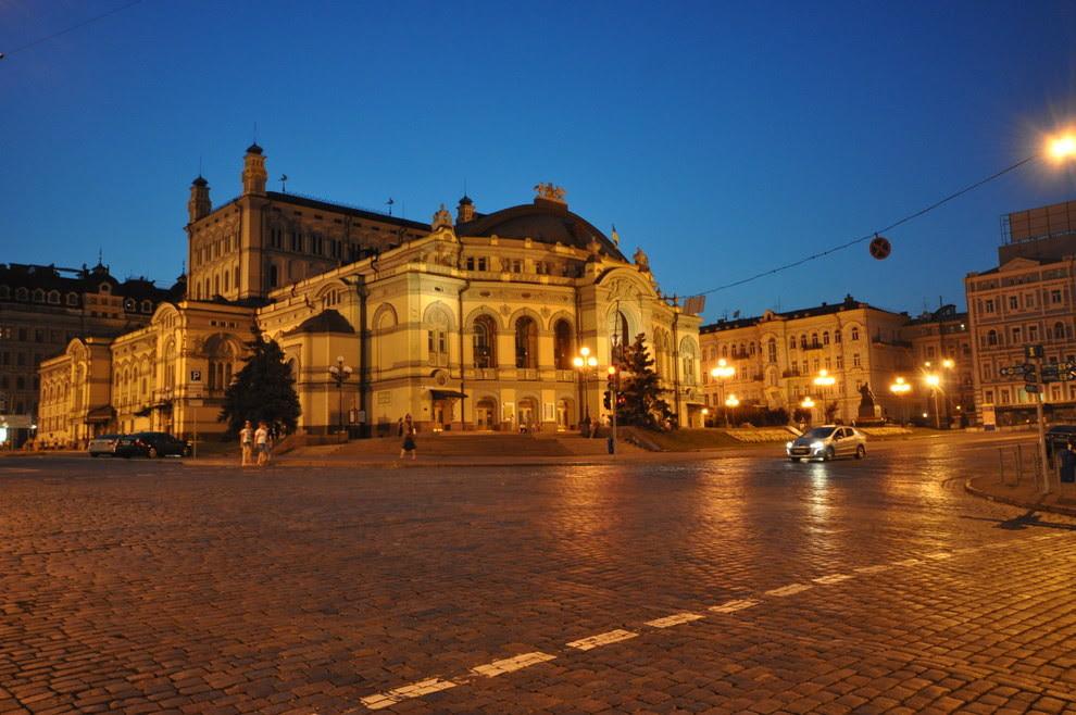 14. Оперные театры похожи на дворцы принцесс красота, украина