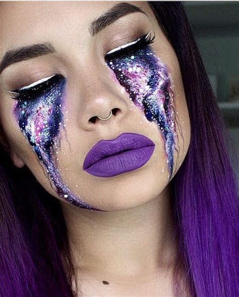 13 Glitter Halloween Makeup Ideas That Are Beautiful