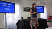 La Especialista Esther Carb Durante El Taller De TDAH  En La Fundacin Pons