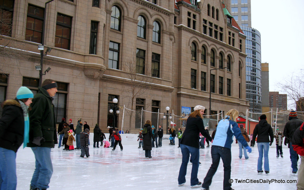 There was quite a few people skating at the outdoor ice rink which sits along side the Historic Landmark Center, downtown St Paul. The rink has been there for three or four years now, but I have never taken the time to skate here, only photograph it.