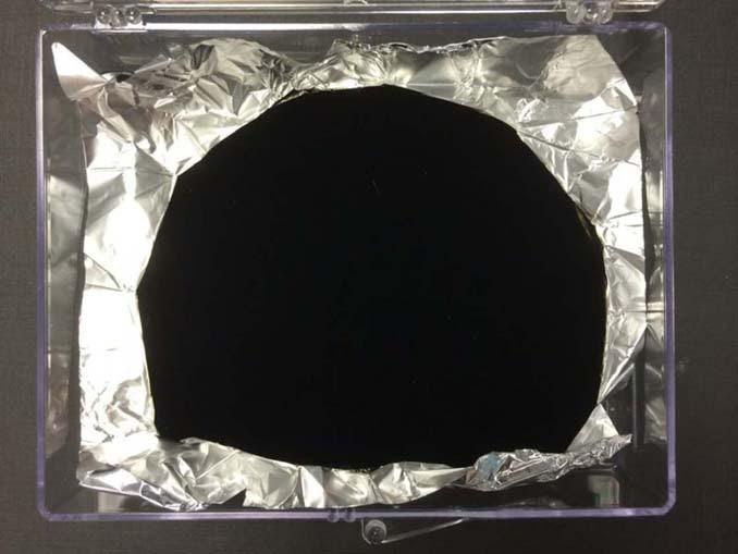 Vantablack 2.0: Το πιο σκούρο υλικό στον κόσμο μόλις έγινε ακόμη πιο μαύρο (8)