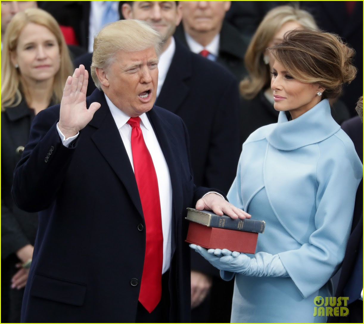 http://cdn02.cdn.justjared.com/wp-content/uploads/2017/01/trump-speeche/donald-trump-inauguration-speech-26.jpg