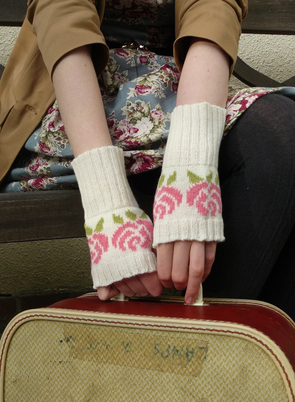 Lambswool English Rose Fingerless Gloves in Vanilla White and Blushing Pink - MADE TO ORDER