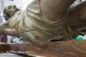 Catatan Berusia 300 Tahun Ditemukan di Dalam Patung Yesus