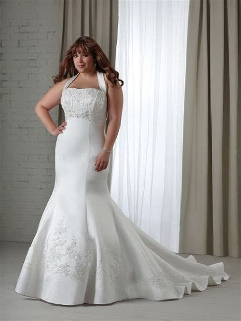wedding gowns for plus size   gothic wedding dresses white