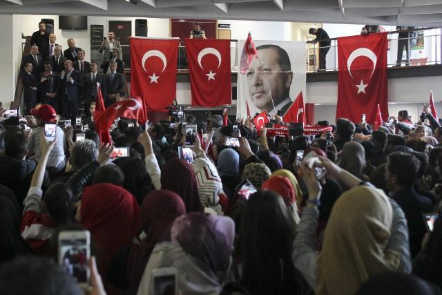L'UE a exhorté lundi Ankara «à s'abstenir de... (Photo AP)