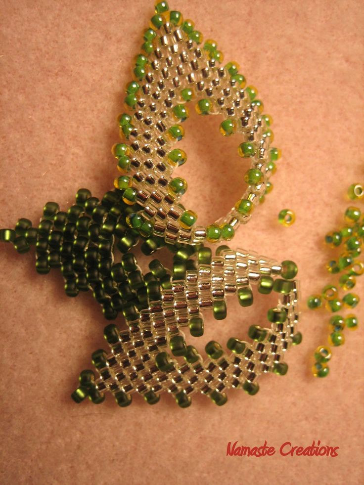 beaded leaves tutorial - in Russian but the pictures are good if your experienced you can follow