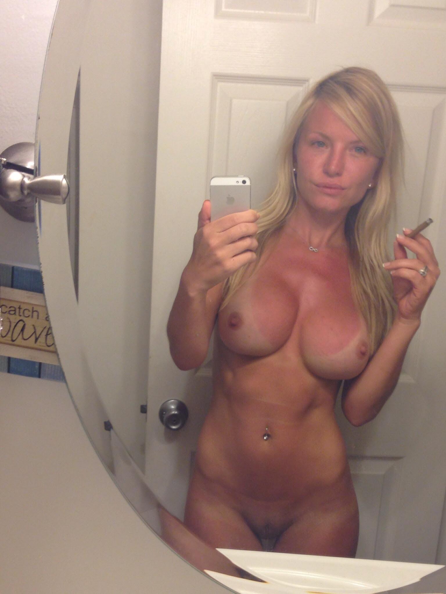 moms naked in tpilet