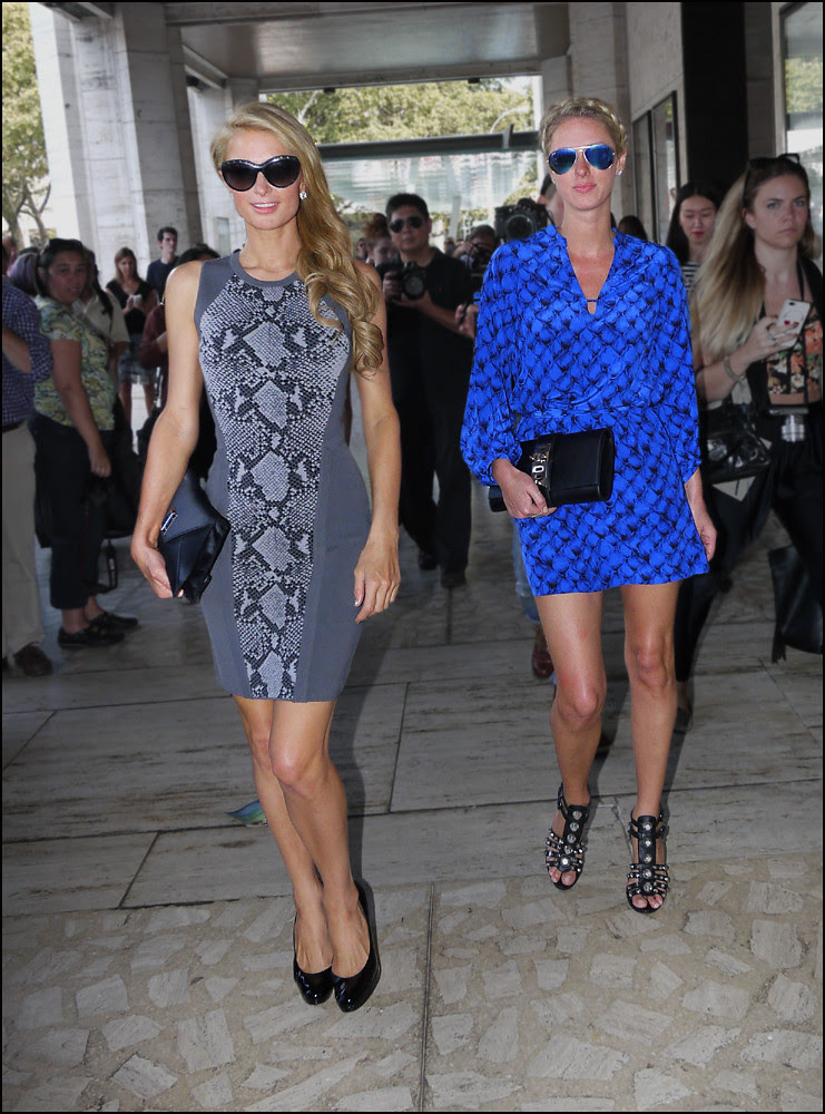 10 c Paris and Nicky Hilton ol