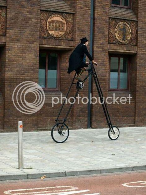 photo Hipster_cyclist_zps07af6f30.jpg