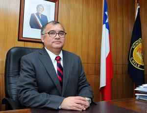 Intendente regional Emilio Rodriguez Ponce, ex rector Universidad de Tarapacá