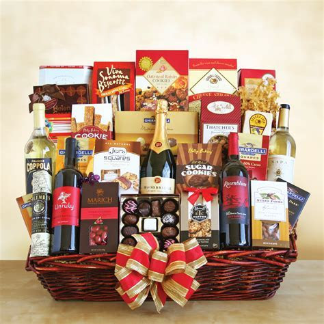 Grand Ghirardelli Chocolate Gift Basket   Gift Ftempo