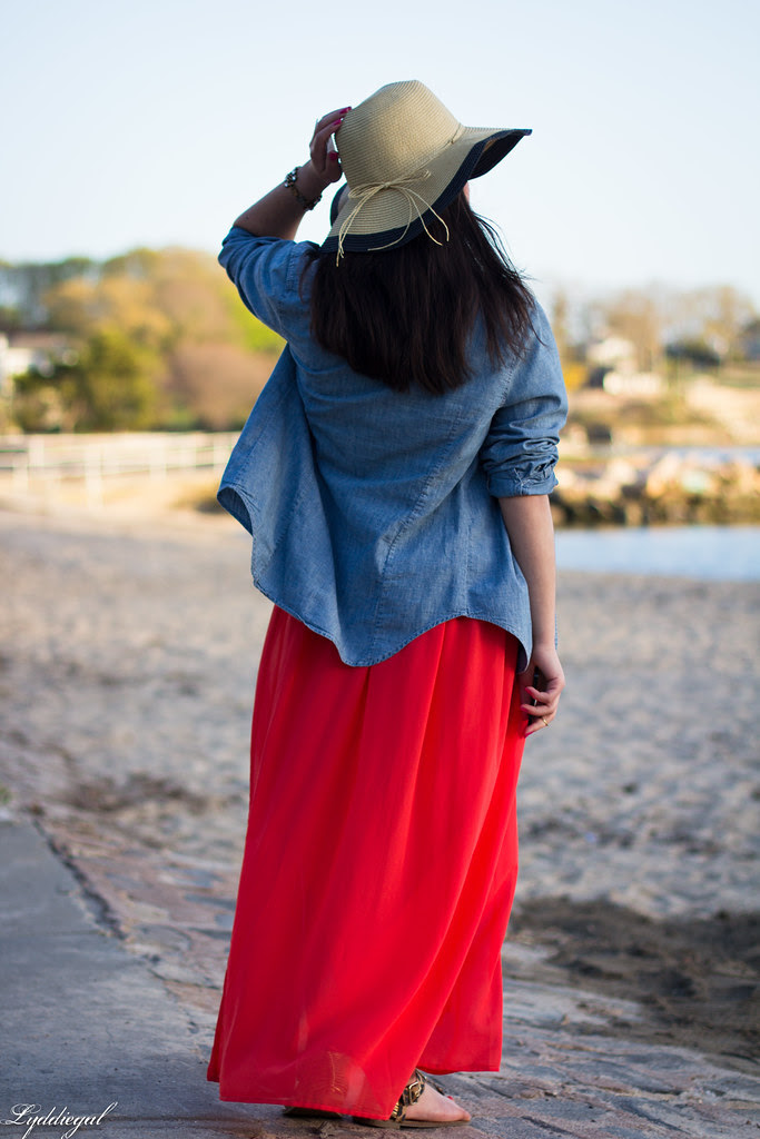 the floppy hat-1.jpg