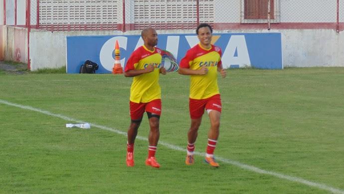 Cascata e Gilmar - América-RN (Foto: Carlos Arthur da Cruz/GloboEsporte.com)