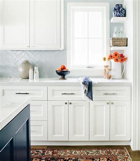 pin  louise sullivan  great kitchens blue backsplash