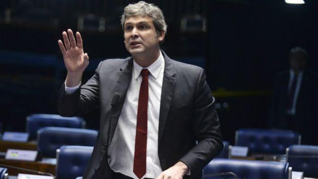 Lindbergh Farias chegou a apresentar requerimento à CAE para que solicitasse à Comissão de Ética Pública da Presidência a avaliação de suposto conflito de interesse na nomeação