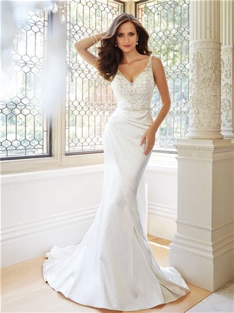 Fitted Trumpet Mermaid V Neckline And Back Satin Tulle