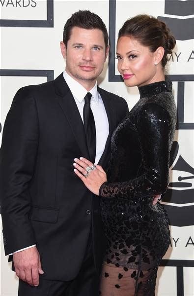 Nick Lachey proves his love ? and finds wife's ring ? by