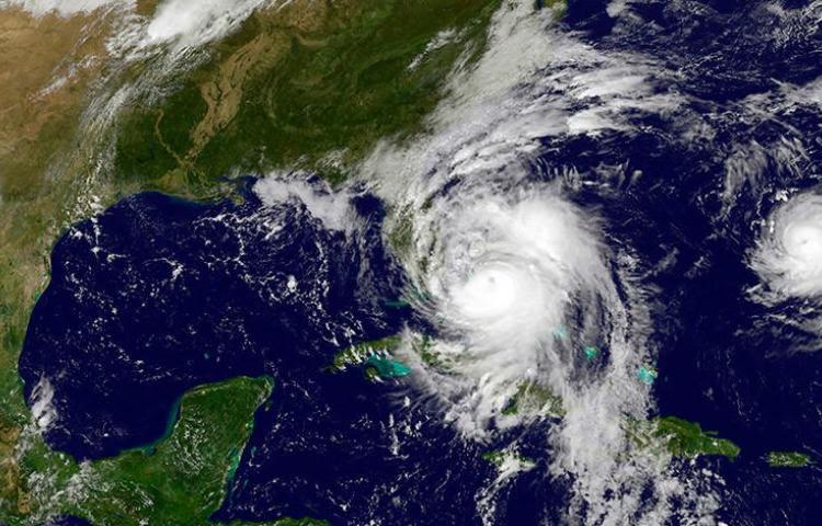 El huracán Nicole sube a categoría 2 mientras se aproxima a Bermudas