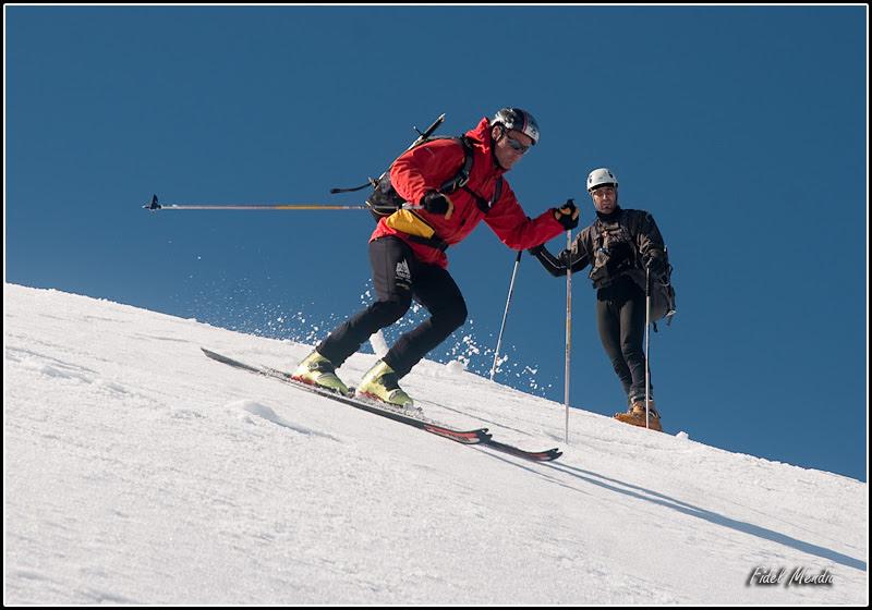 angel esquia desde la cima y juanma mira