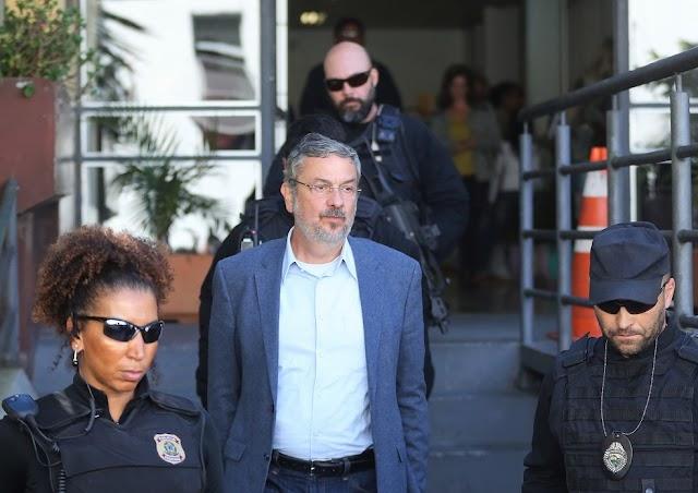 Palocci deixa a cadeia