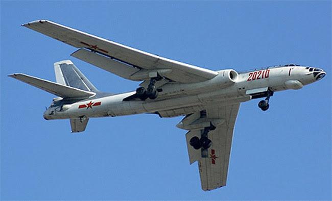 Máy bay ném bom chiến lược H-6K của Không quân Trung Quốc