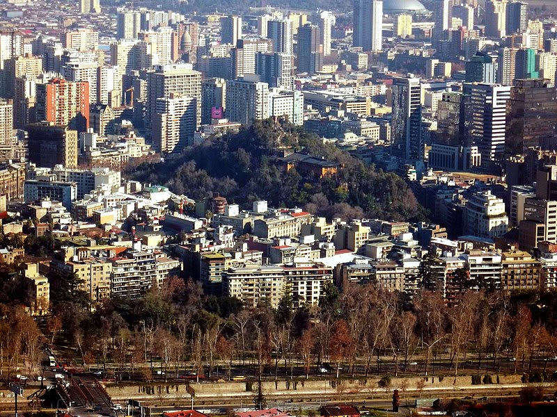 File:Cerro Santa Lucía desde el Cerro San Cristóbal.jpg
