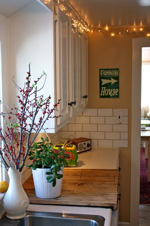 Design Ideas for the Space Above Kitchen Cabinets ...