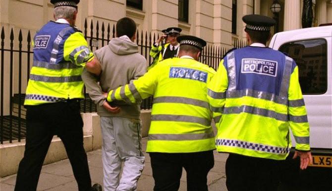 Britanikët kundër shqiptarëve: 50 kriminelë arrestohen në javë