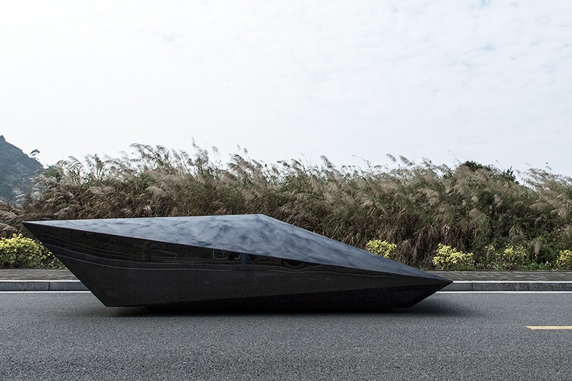 united-nude-lo-res-car-designboom-07