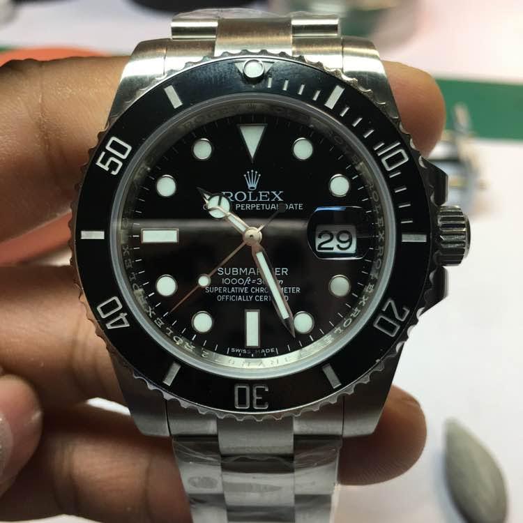 Black Submariner 40mm