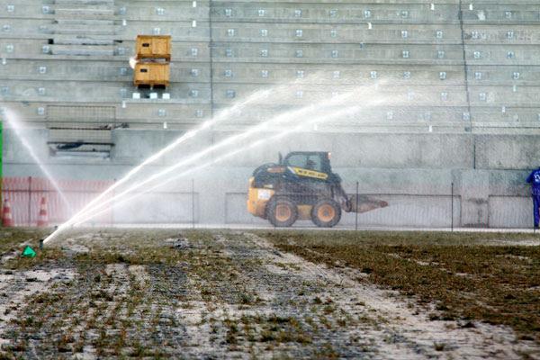 Uma das tecnologias implantadas na Arena das Dunas é para a utilização da água das chuvas, que será armazenada e reutilizada nos vasos sanitários e para regar o gramado