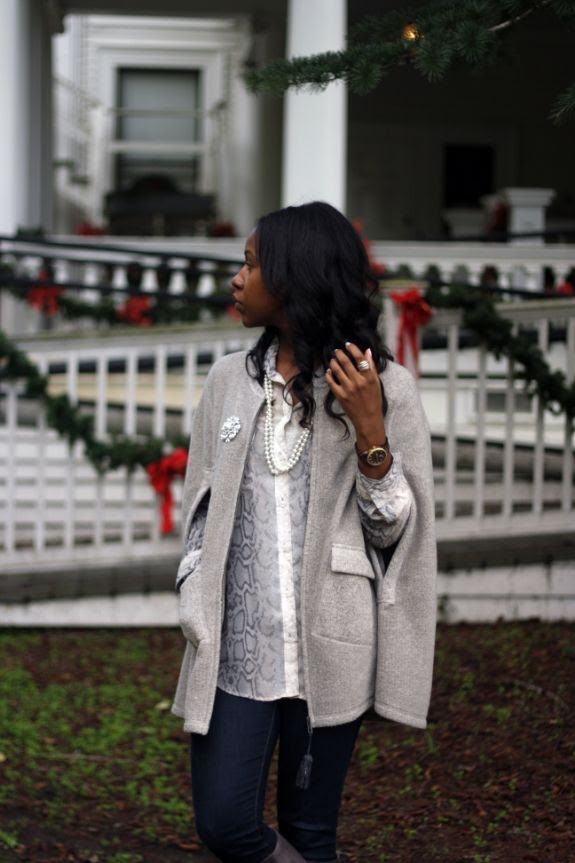 photo anthropologie_grey_cape5.jpg