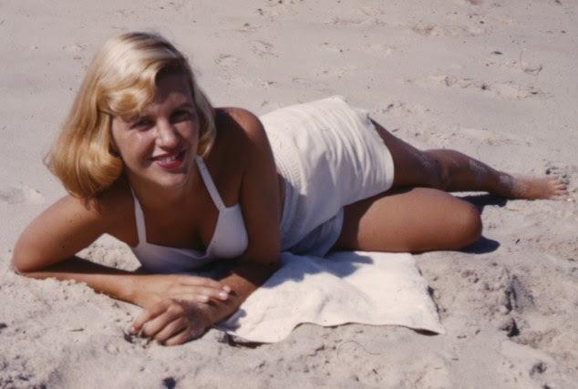 Sylvia Plath, La campana de cristal, Ariel, El Coloso