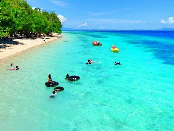 Pantai Liang - Liang Maluku