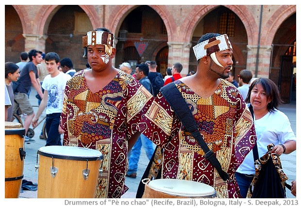 Brazilian group Pè no chao in Bologna, Italy - S. Deepak, 2013