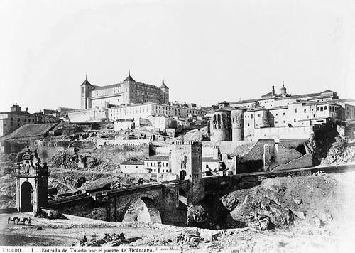 Puente de Alcántara (Toledo) antes de 1864. Foto Jean Laurent