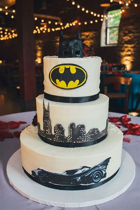 Best 25  Batman wedding cakes ideas on Pinterest   Batman